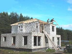 А ещё мы строим дома из пенобетона